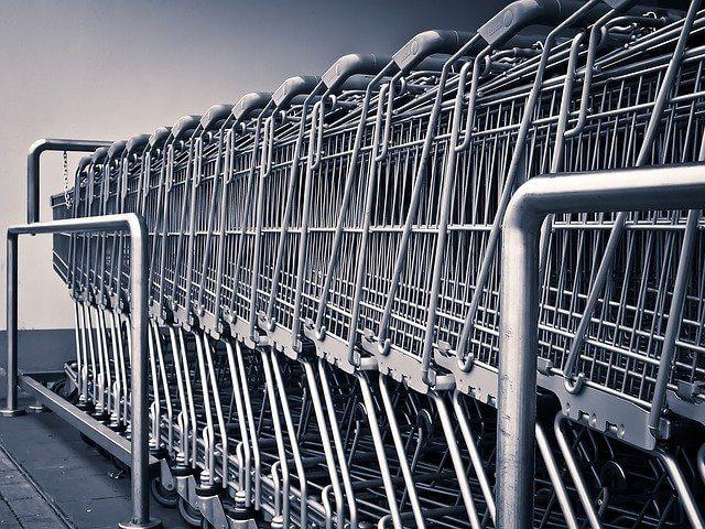 Des caddies, le symbole des magasins de grandes distribution